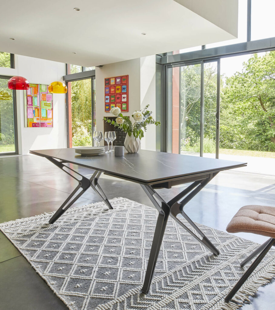 NOVA-marbre-noir-table-cholet